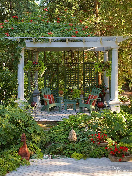 Although many pergolas have four open sides, there are options to increase seclusion on one or multiple sides. This pergola uses three trellises on one side, detailing which maintains the pergola's connection and openness to the landscape./