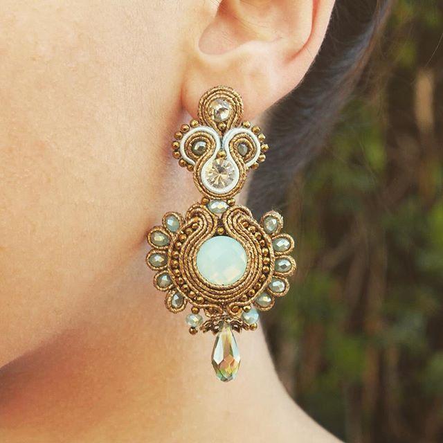 ❤️ #earrings #woman #mulher #wedding #weddingday #porto #oporto #fashion #golden #handmade #handmadejewelry #lady #lovely #girl #class #classy #classic #blue #beauty #moda #mulher