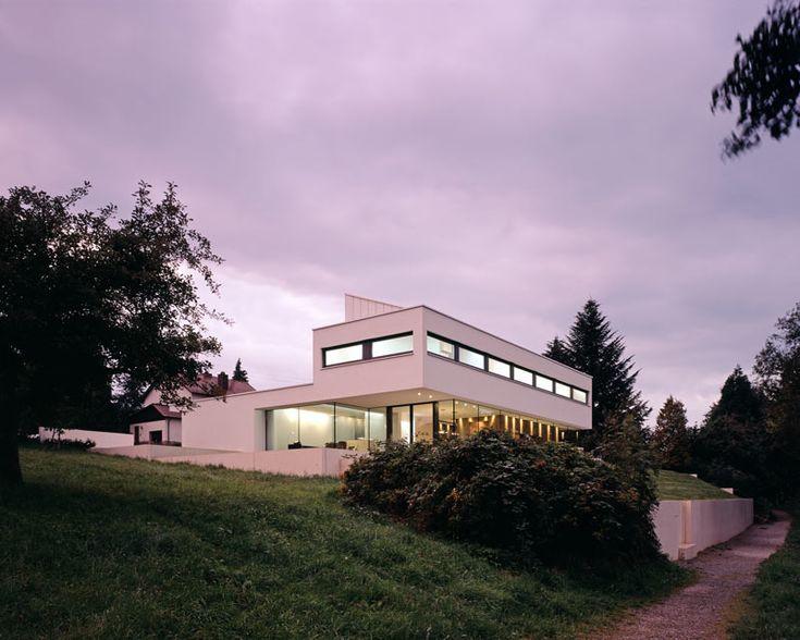 modern-white-residential-home-exterior-Philipp-Architekten-3