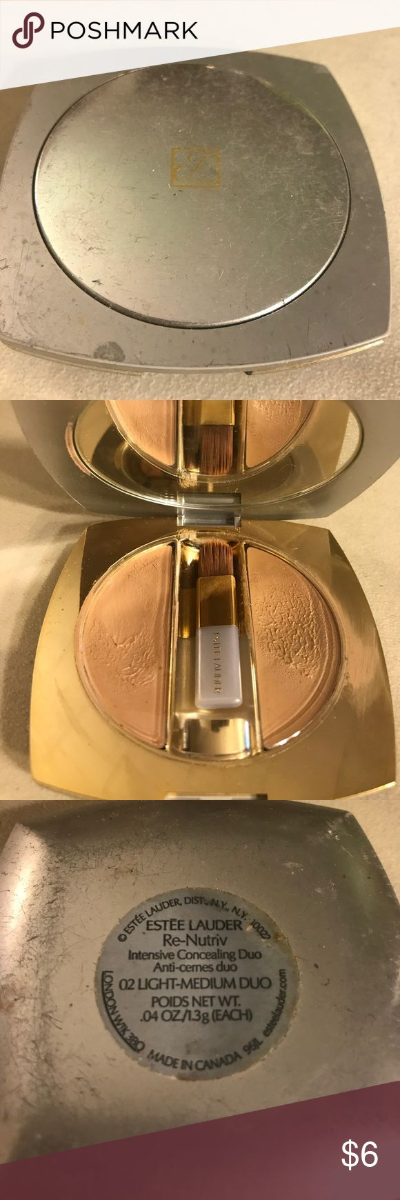 Estée Lauder re-nutriv intensive concealing duo Estée Lauder re-nutriv intensive concealing duo in color 02 light- medium duo, used. Thanks for checking out Luxury1cosmetics!! Offers are welcomed, bundles are discounted!! Estee Lauder Makeup Concealer