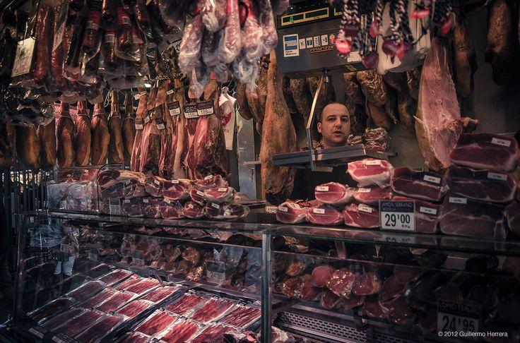 Ah! Flâner, regarder, sentir, goûter dans un marché!...Ceux de Barcelone sont de véritables cathédrales des sens. Découvrez ici nos 5 préférés!