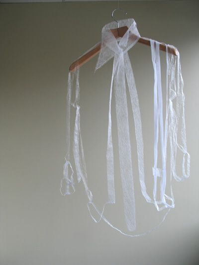 Ying Gao - la chemise blanche ......... ou ce qu'il en reste !