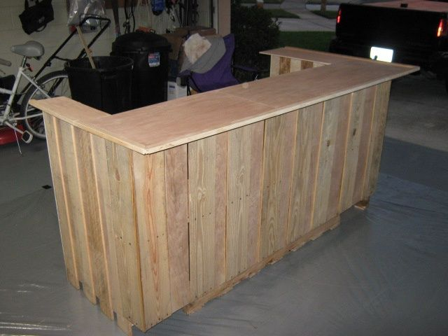 how to build a bar out of pallets | Uploaded to Pinterest