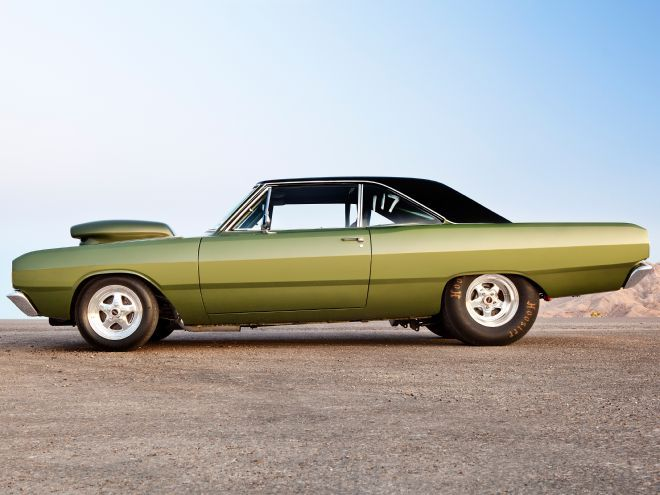 """Tracy Grooms' sanitary green 1969 big-block Dodge Dart may not have a cool """"H"""" or """"M"""" punched into its fifth spot, but it's got an aluminum 572-inch wedge."""