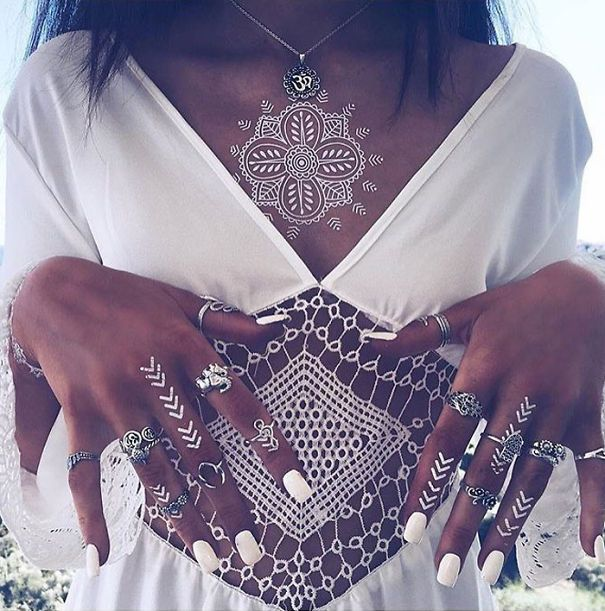 AD-White-Henna-Tattoo-Temporary-Women-Instagram-Trend-11