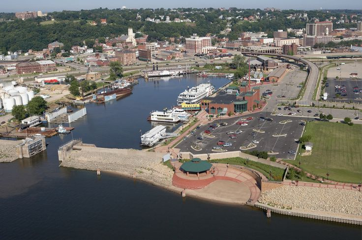 Port of Dubuque (Ice Harbor) looking NW Dubuque, Tourist