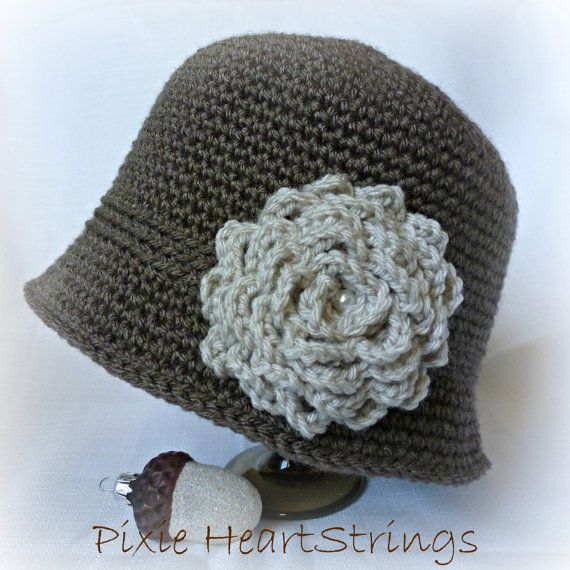 Hat. Woman's Hat. Cloche. Crocheted Hat. by PixieHeartStrings