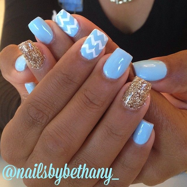 Baby blue, chevron, and gold glitter    unghie gel, gel unghie, ricostruzione unghie, gel per unghie, ricostruzione unghie gel http://amzn.to/28IzogL