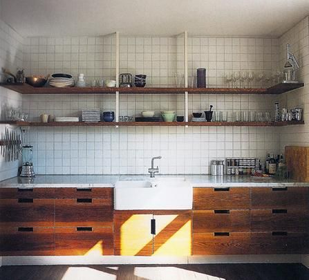 Plein kitchen - Photo by Alexander Crispin (from Scandinavian Style).