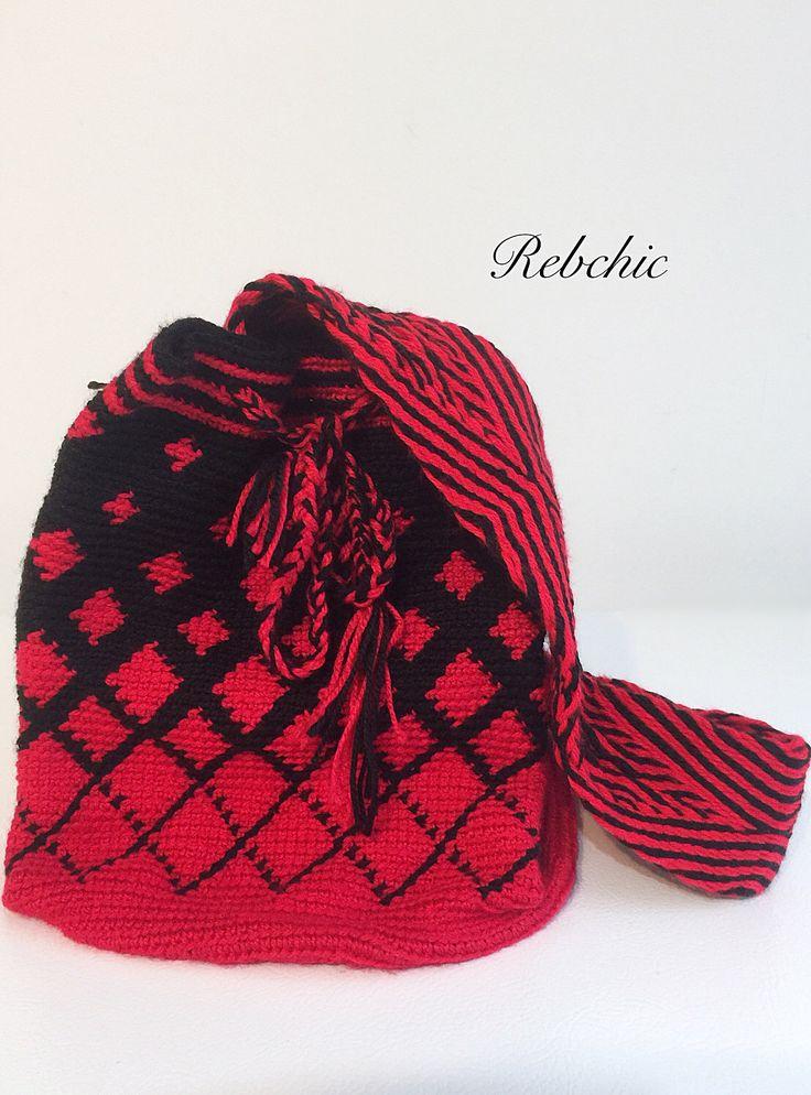 """Sacs porté sur épaules - Boho chic sac à main - style """"wayuu"""" par RebChicKnit sur Etsy https://www.etsy.com/ca-fr/listing/523924019/sacs-porte-sur-epaules-boho-chic-sac-a"""