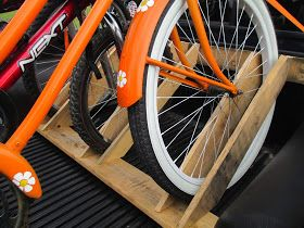 Maple Hill 101: Thrifty Thursday-Easy Bike Rack