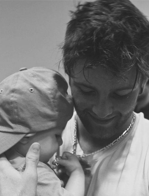 Drew Chadwick and a baby!?!? Ugh that feels!!!!