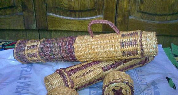 Плетение из газет. Тубус для шампуров.