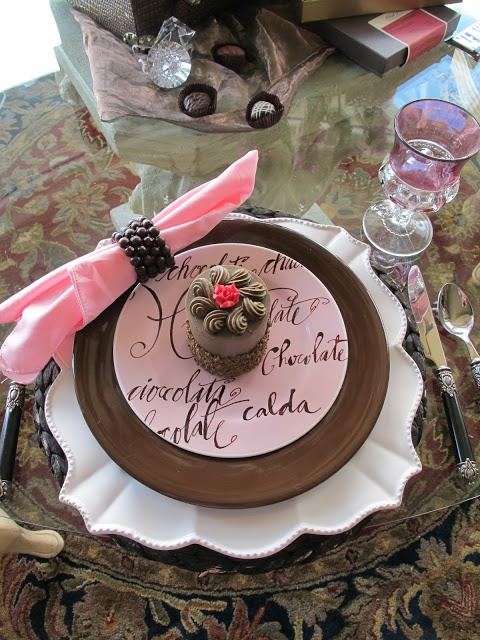 Purple Chocolat Home: Chocolate Chocolate Tablescape - Food for ThoughtPink Desserts, Food For Thought, Chocolates Cake, Decor Ideas, Tables Sets, Pink Tablescapes, Places Sets, Wedding Centerpieces, Tables Decor