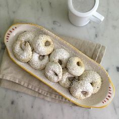 Dicembre Dolce: Celli Ripieni {Jam-Filled Cookies from Abruzzo}