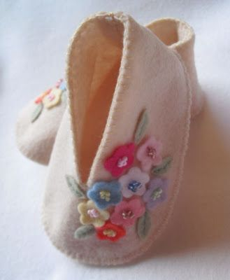 cute felt baby shoes.