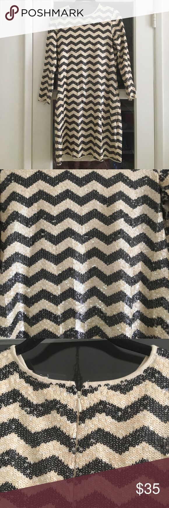 """Sequined Chevron print party dress ✨ Super fun sequined black and cream chevron print dress from J Crew circa 2012! Long sleeves. Zips in the back. No pockets. Size XS. Roughly 35.5"""" from top of shoulder to bottom hem. Worn but in great condition. J. Crew Dresses Long Sleeve"""
