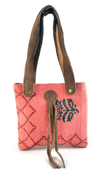 Handmade Pink Leather handle Antique Bag madeup of woolen material and leather handel   for womens and girls to carry casually  all things in it spacious and suits on every dress.  #Buyhandbagsonline #HandmadeHandbags #Authenticdesignerhandbags #Womenswallets #Pursesonline #Handmadeitems #Styleincraft