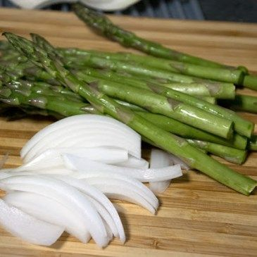 Grilled Sesame Asparagus and White Onions