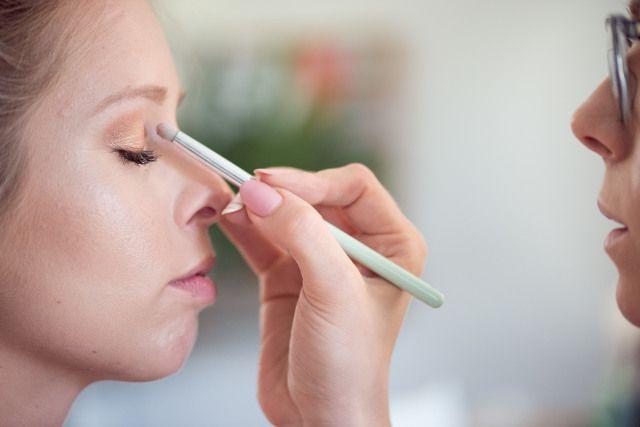 Glitzy oogschaduw voor je wedding is een must!  Vind hier nog meer handige bruidsmake-up tips: http://www.theperfectwedding.nl/artikelen/7/bruidsmake-up-tips
