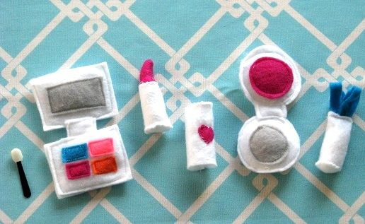 felt make-up kit: Make Up, Girl, Kids Stuff, Cute Ideas, Kiddo Ideas, Felt Makeup, Adorable, Feltmakeup