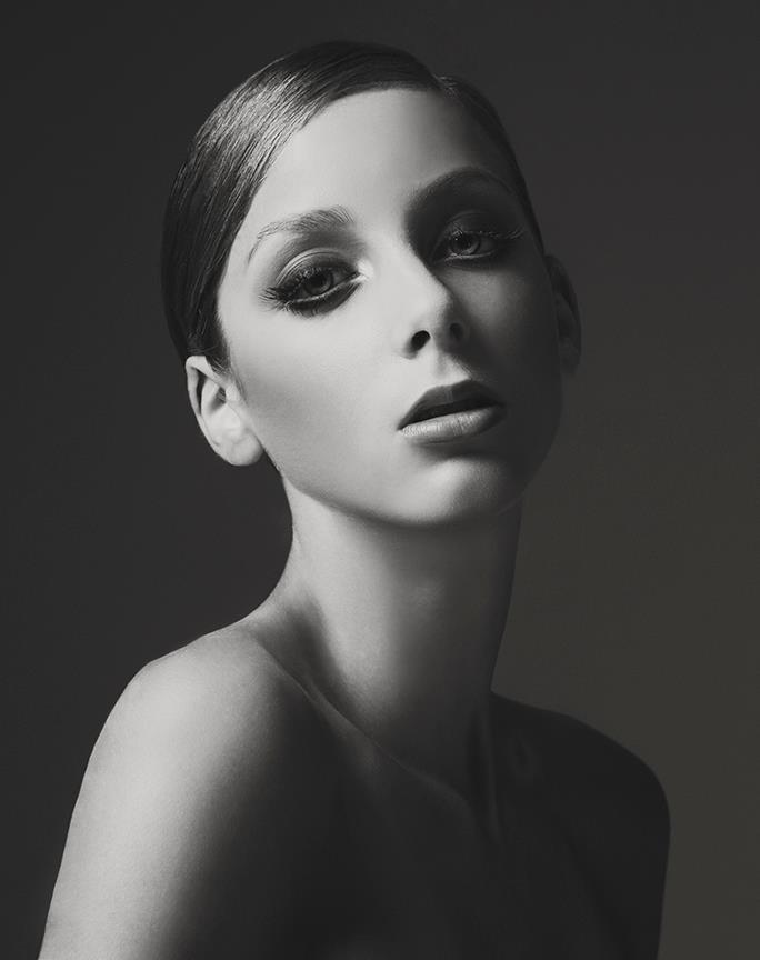 Get the look!  Twiggy inspired...  www.yvettegray.com.au www.facebook.com/YvetteGrayMakeupHairArtist
