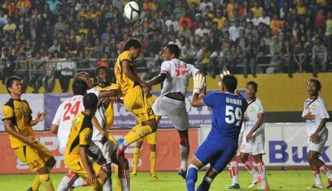Prediksi Skor PBR Vs Sriwijaya FC 29 Juni 2013 di ISL - Jadwal Bola PBR vs Sriwijaya FC. Agenbola855 kali ini Akan menghadirkan info dari laga Liga Super Indonesia yang diadakan pada pekan ini. Info pertandingan kali ini akan membahas pertandingan antara PBR Vs Sriwijaya FC.