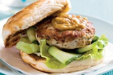 Satay chicken burgers | yummies | Pinterest