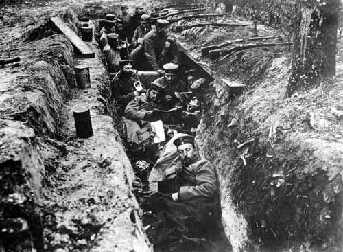 In Duitsland is veel gevochten, ze hadden daar ook een tweefrontenoorlog. Aan de west en aan de oost kant van Duitsland.