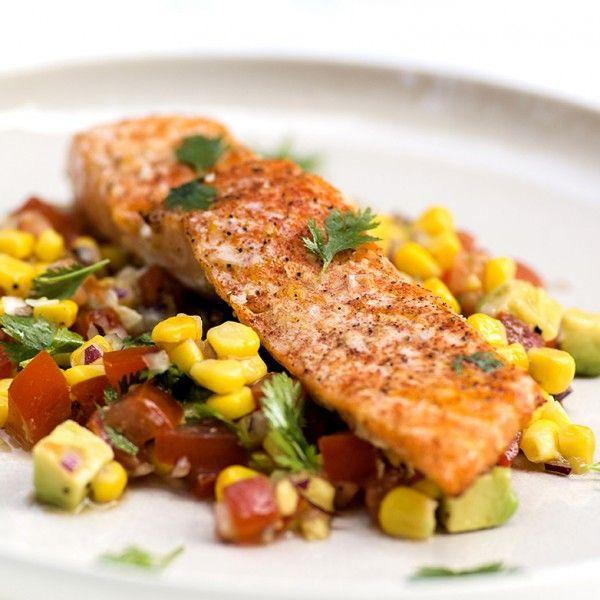 Både ørret og laks er gode fisker å legge på grillen. De er såpass faste i fisken at de holder...