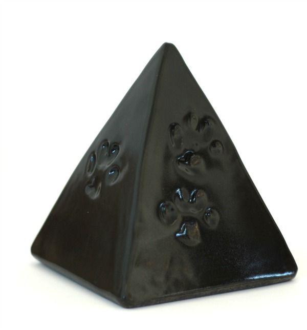 Honden Urn met pootafdrukjes. Schitterende Piramide vorm.
