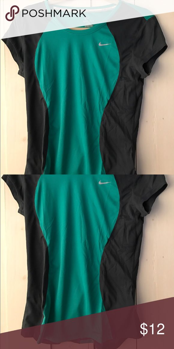 Nike pro women's medium green grey tshirt Nike pro women's medium green grey tshirt Nike Tops Tees - Short Sleeve