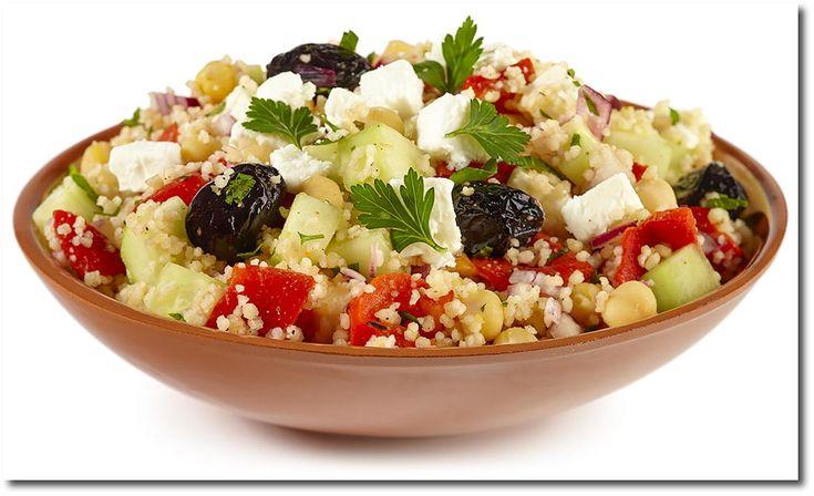 Griechischer Couscous Salat mit Feta