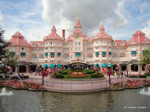 Dining in Disneyland: Snacks and More in Disneyland Paris | the disney food blog