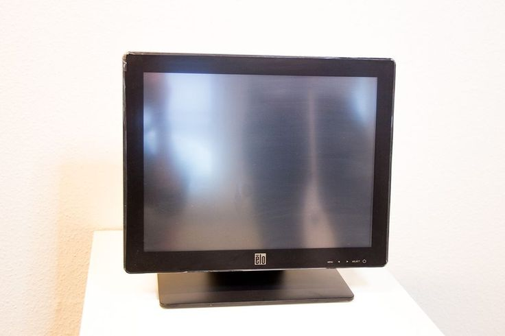 Elo Touch Solutions - 1517L 15-inch Multifunction Desktop (Brand New in the BOX) #EloTouchSystems