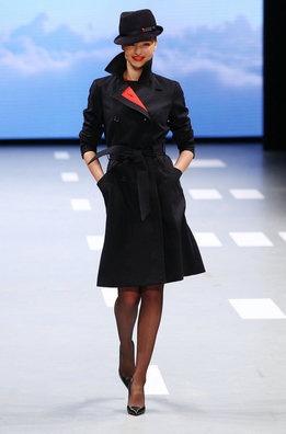 Miranda Kerr retoma el vuelo con una aerolínea australiana