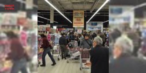 400 bin ürün satıldı : CarrefourSA hipermarketlerinde 25 Kasım akşamı gerçekleştirilen Fırsat Gecesine tüketiciler yoğun ilgi gösterdi. Türkiyenin 17 ilindeki 37 CarrefourSA hipermarketinde yüzde 65e varan indirimlerin uygulandığı Fırsat Gecesinde yaklaşık 400 bin adet ürün satılırken muz portakal pirinç sızma zeytinyağı valiz ve pasta  ekmek ürünleri en çok satılan ürünler arasında yer aldı  http://www.haberdex.com/ekonomi/400-bin-urun-satildi/101277?kaynak=feed #Ekonomi   #Gecesi #ürün…