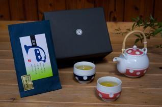 肥前吉田焼 水玉丸型土瓶急須(朱)・湯呑(朱、青)+「美好園」宇治煎茶セット(童仙房)