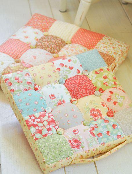 25 best ideas about chair cushions on pinterest kitchen - Cojines de patchwork ...