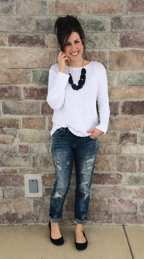 Andrea from @mommainflipflop styles her J.Jill easy cotton slub pullover with a pair of distressed boyfriend jeans and a statement necklace.
