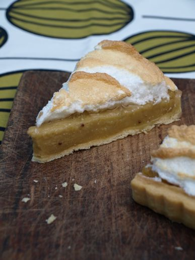 Feijoa and lime meringue pie