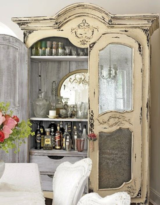 armoire bar via That's Smart Deco. Think I may finally have a purpose for that giant gray china cabinet
