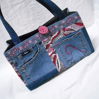 Great tutorial on jeans purses!. Sid's In Stitches: A New Look at the Jeans Purse