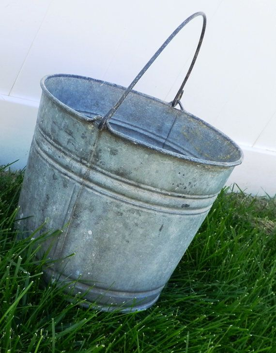 Rustic shabby chic vintage metal bucket 10 pail for Rustic galvanized buckets