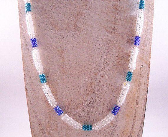 Seadbeady Witte Spiraal ketting met Blauwe Peyote door Seadbeady