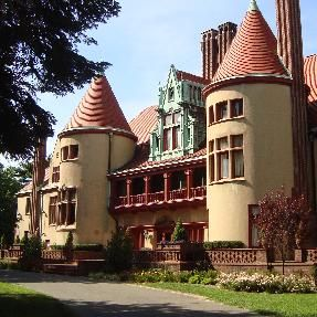 Chateau Coindre Hall -Huntington  Where i had my sweet sixteen !!!