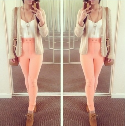 1000  images about High waisted jeans and outfits on Pinterest ...