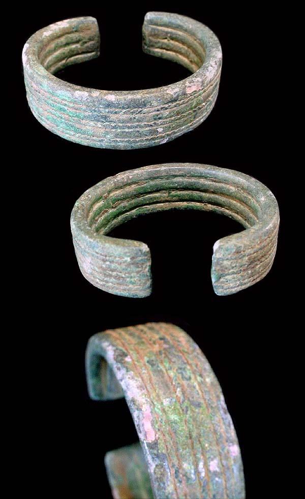 A Dong Son bronze bracelet. Dong Son culture, northern Vietnam, late 1st millennium BC