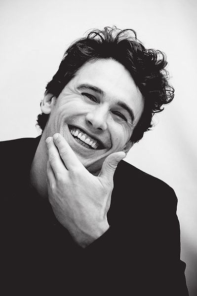 LOVE that smile ;-) - James Franco