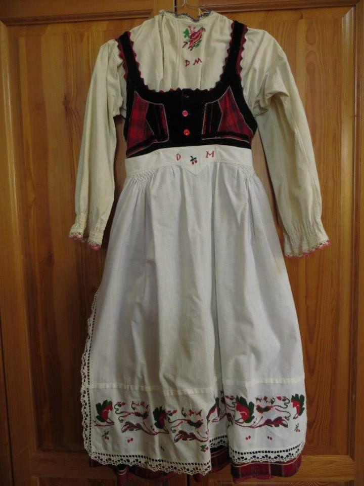 Front of dress with blouse and apron from Szekelyfold, Transylvania; photo credit: Linda Teslik